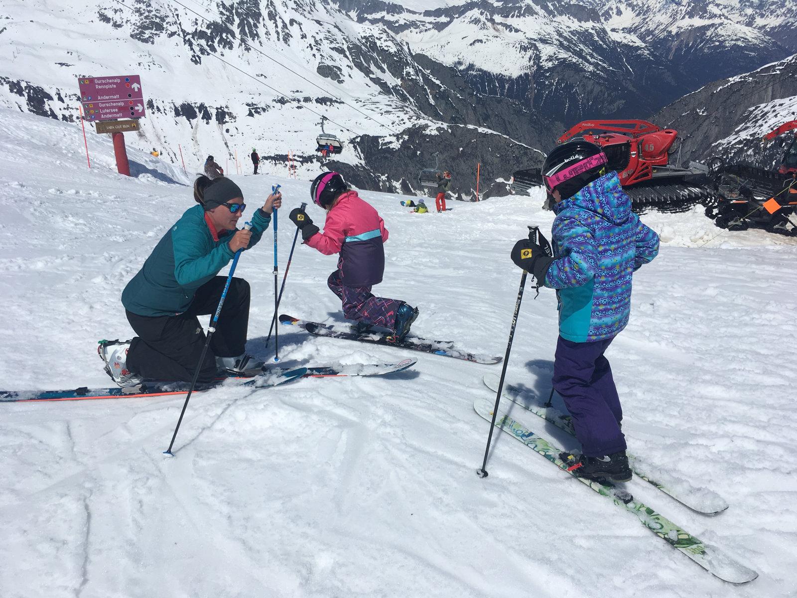 Telemark-Skiunterricht für Kinder; Ski Academy Andermatt; erfahrene, qualifizierte SkilehrerInnen; Telemark | Kids | Ski School | Private Lesson | Freeheeling