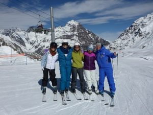 Learn to Ski Weekend; Women's Camp; Ski Academy Andermatt; girls-only; ski chicks; go with a Pro; taught by women for women;