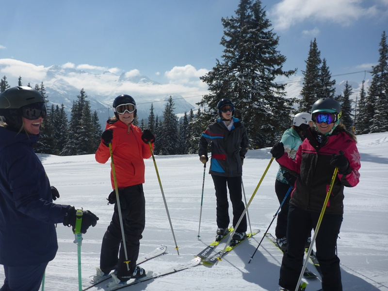 Women's Ski Camp in Andermatt; Ski Academy; girls only; Ladies skiing; ski like a girl; best ski school in Andermatt; group lesson; highlights; event;