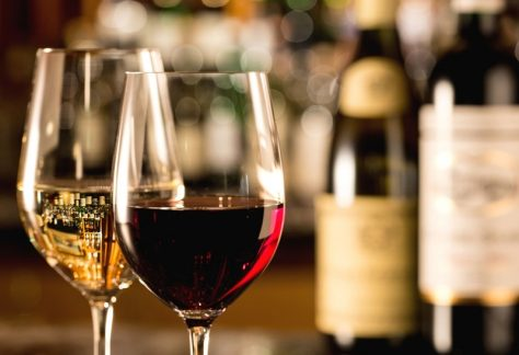 Ski & Wine Week in Andermatt by Ski Academy; try something new; more fun starts here; wine tasting; skiing; private lesson; group lesson; events; highlights;