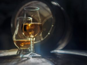 Whisky & Ski; Ski Academy; Andermatt; Event; Tasting; Ski Guiding; for private and corporate groups;