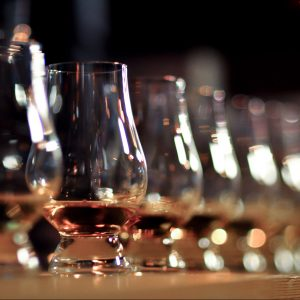 Whisky & Ski; Event; Ski Academy Andermatt; Highlight; Whisky tasting; Culinary Highlight; Something different; Group event; Corporate event; Social Gathering; Whisky