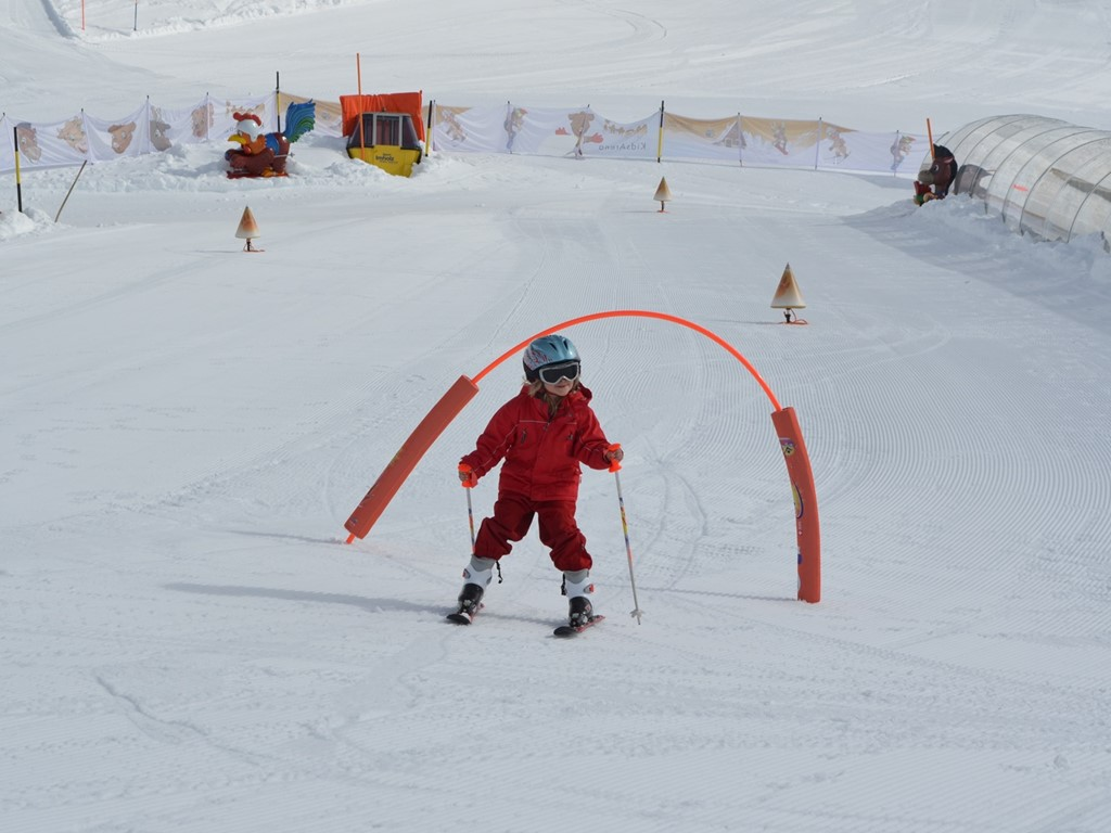 Matti's kids area; Natschen; Andermatt; Ski Academy; endless fun; learn to ski; kids love skiing;