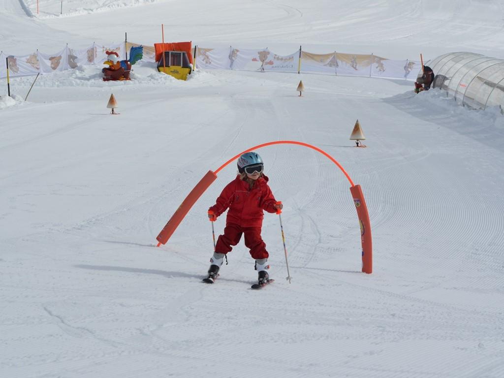 Matti's kids area; Natschen; Andermatt; Ski Academy; endless fun; learn to ski; kids love skiing;