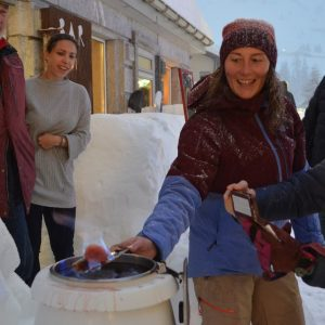 Feuerzangenbowle for Après-Ski-Opening in Andermatt; Ski Academy; More fun starts here; go with a Pro; ultimate adventure; best ski school in town;