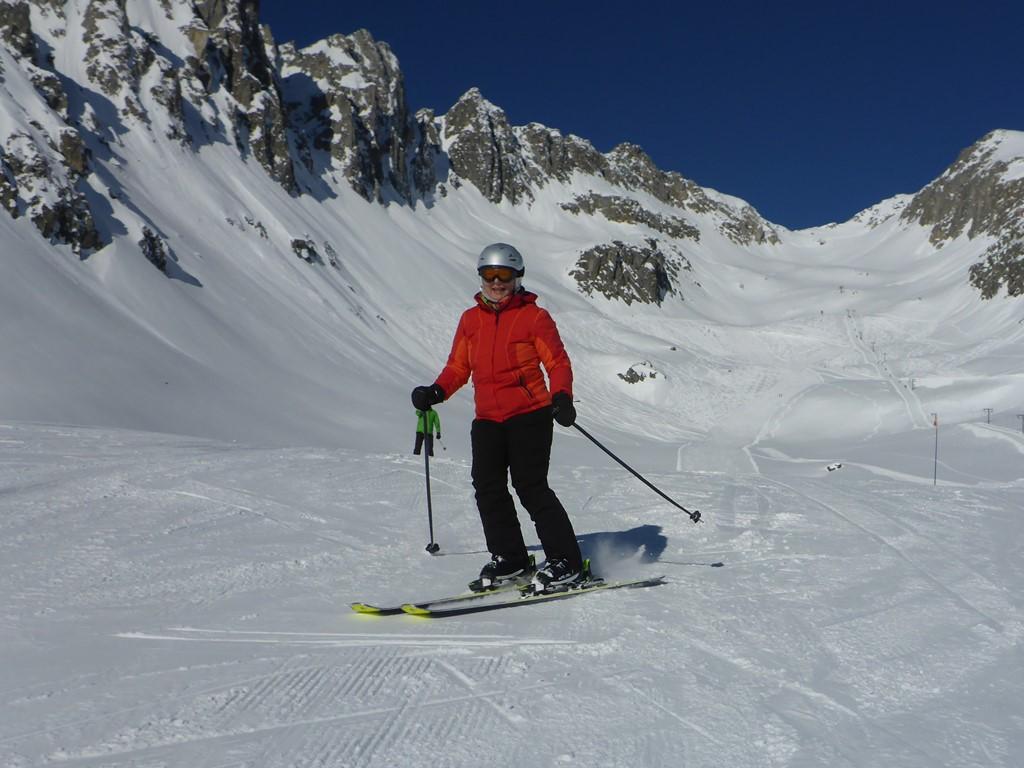 Privater Skiunterricht für Erwachsene in Andermatt; Privatunterricht für Erwachsene; Entdecke Disentis; Ski Academy Andermatt; Go with a Pro; Sonne und Schnee; MGB; Ski-Camps für Frauen; Genuss-Skifahren;