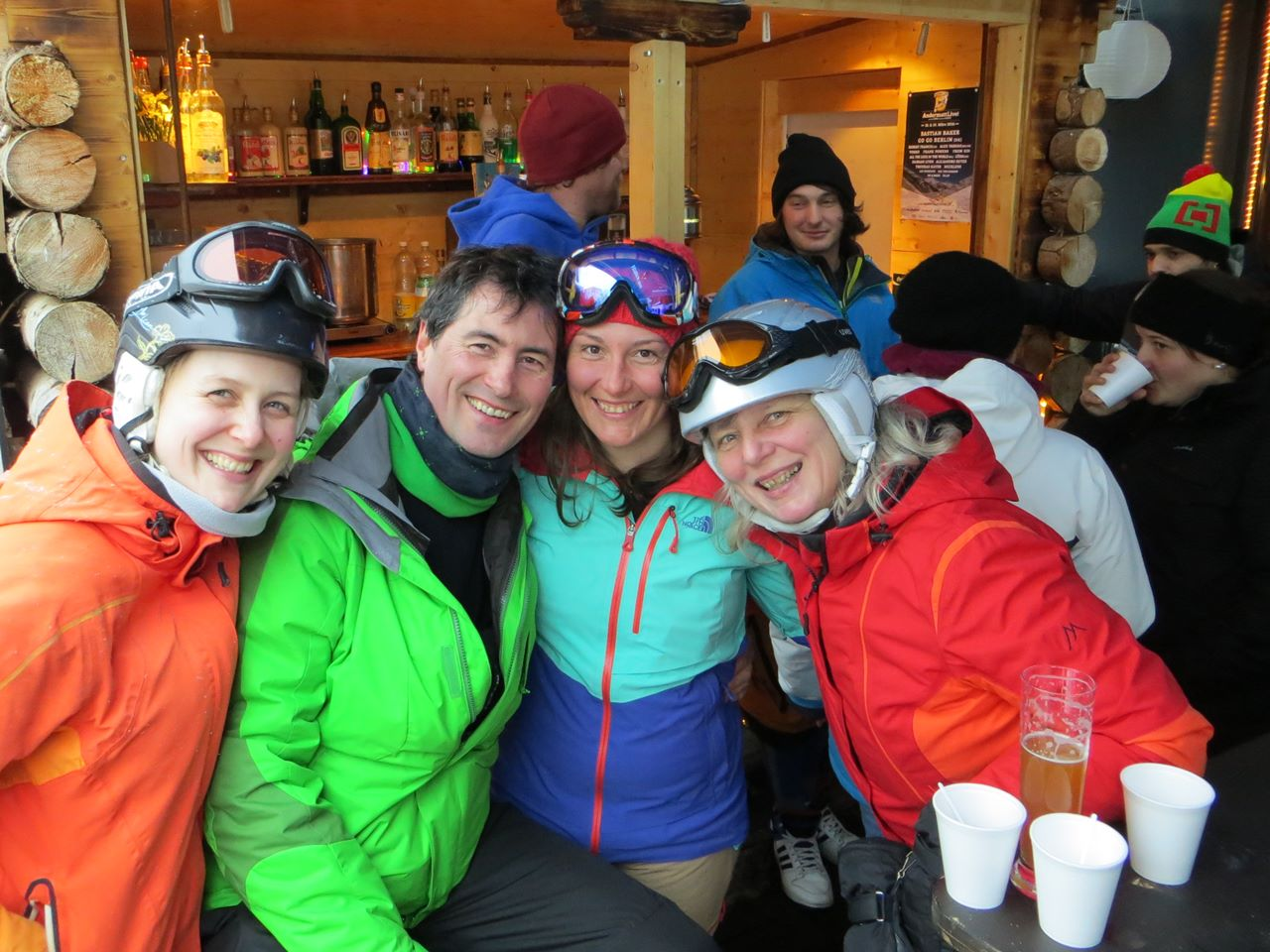 Apres-Ski Andermatt; Whisky and Ski; Ski and Wine week; party; endless fun; go with a pro; Skiarena;