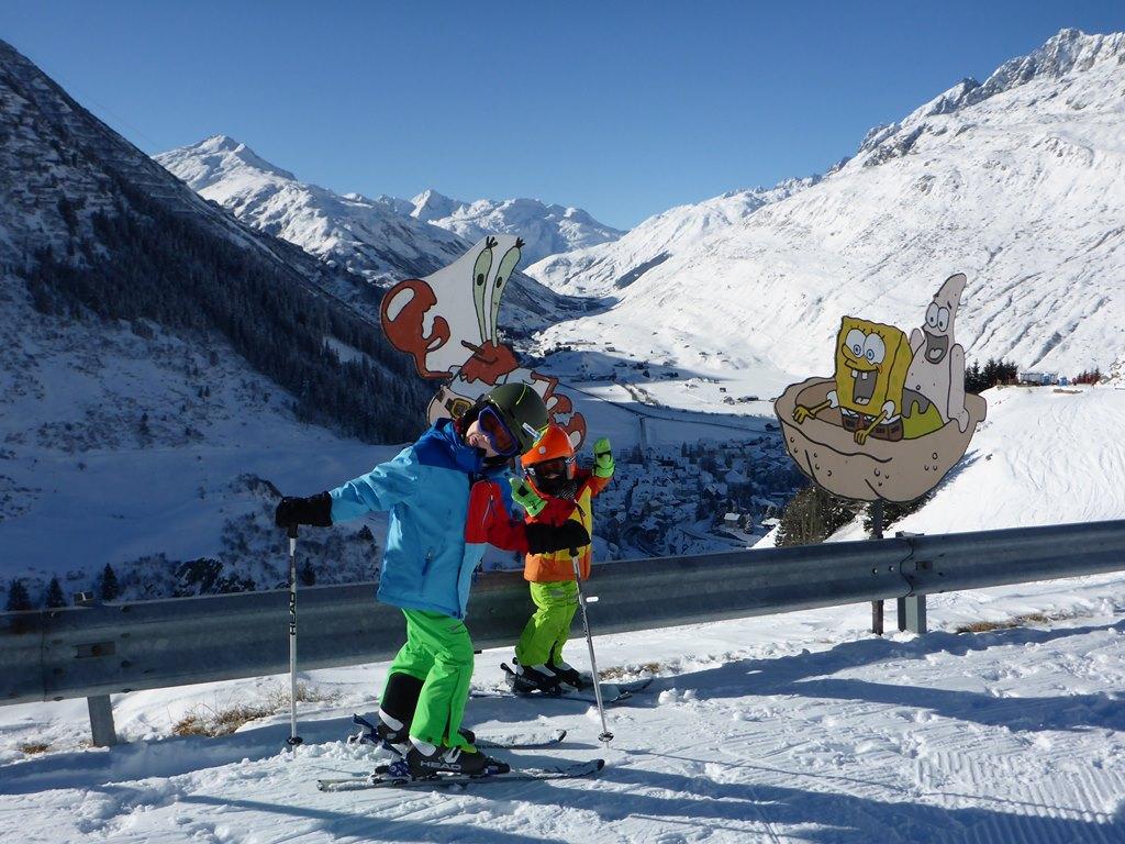 Privater Ski & Snowboard-Unterricht für Kinder in Andermatt; Ski Academy Andermatt; geduldige und freundliche SkilehrerInnen; Endless Fun; Beste Skischule in Andermatt; Kinderskilehrer;