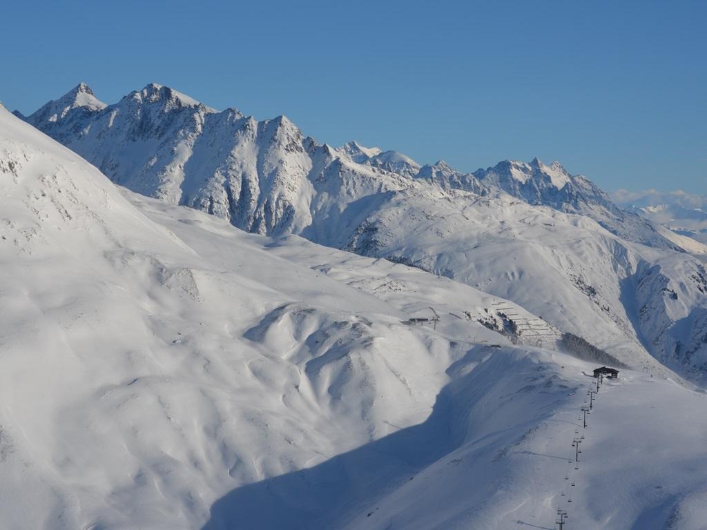 Cuolm Val; Ski Academy; Andermatt; Dieni; Sedrun; Skiarena; ski lesson; Ski Camps; best ski school