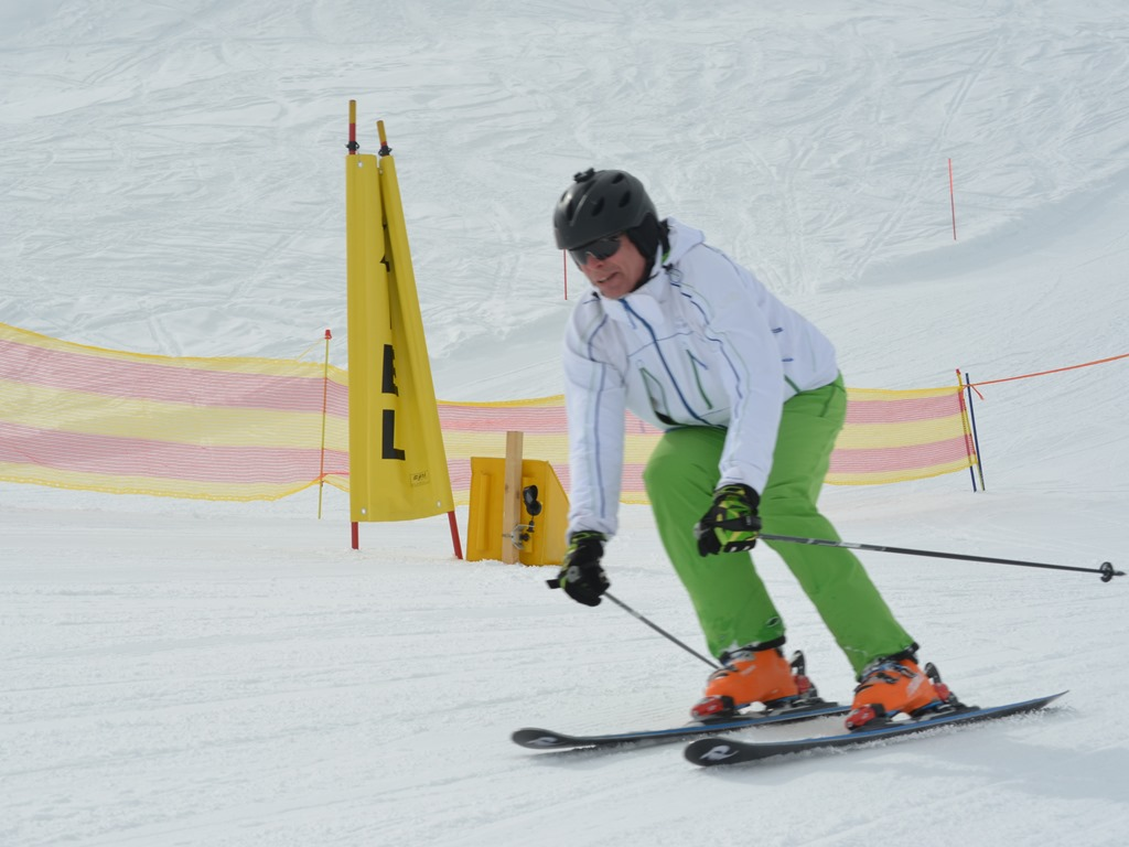ski race; finish line; Ski Academy, Gemsstock; Skiarena; race training; coaching;