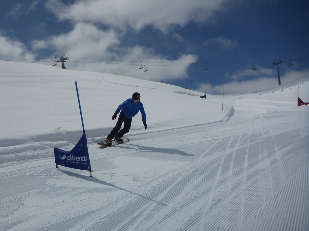 Private snowboard lessons in Andermatt; Ski Academy; endless fun; learn to ride; best snowboard school in Andermatt; patient instructors;