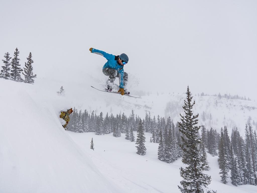 Snowboard Unterricht und Exkursionen in umliegende Skigebiete mit Ski Academy in Andermatt; Entdecke Disentis; Snowboarden lernen; learn to ride; ultimate adventure; explore the Skiarena Andermatt-Sedrun-Disentis
