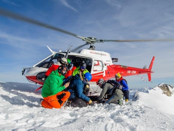 Ski Academy_Swiss-helicopter_winzig