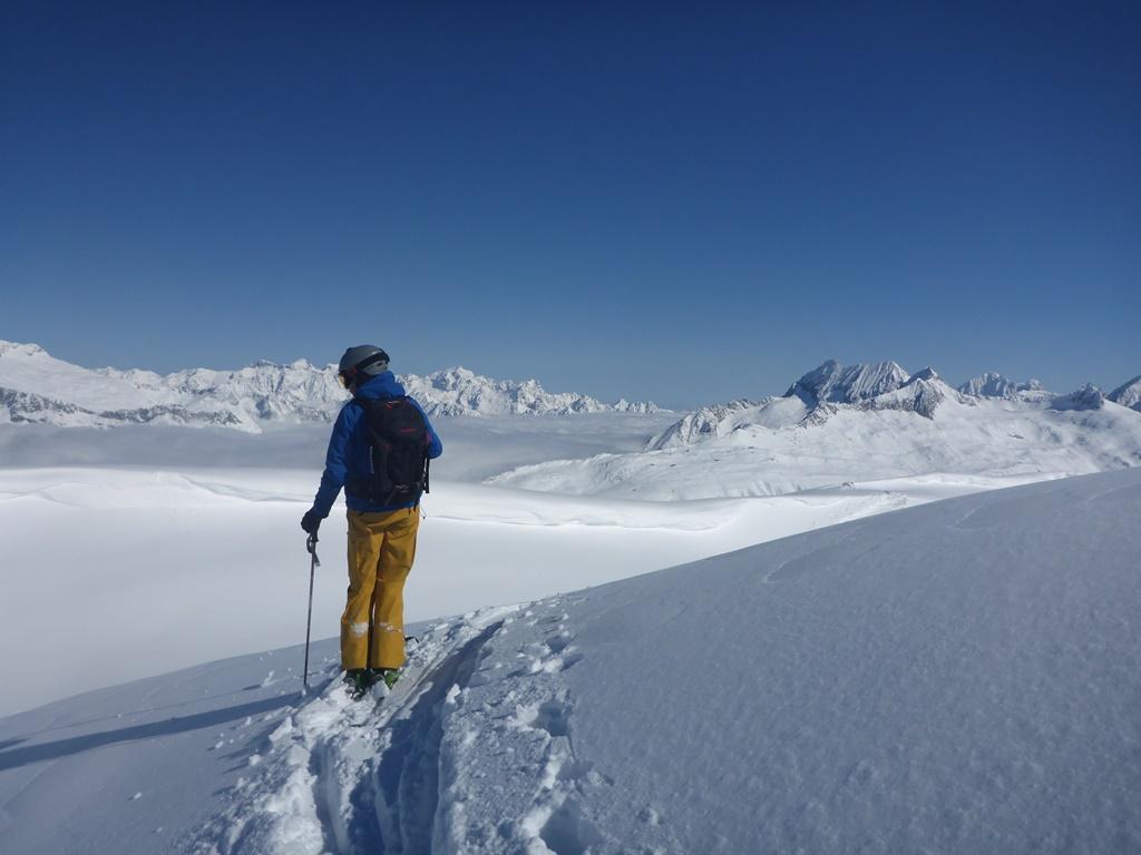 Ski Touring Andermatt; incredible panorama; SKi Academy; bluebird day; above the clouds; go with a pro; mountain guide; best ski school in Andermatt; Skiarena Andermatt-Sedrun-Disentis;