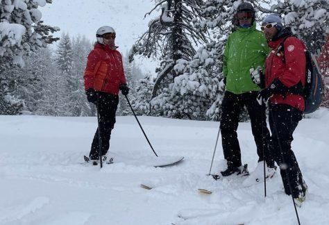 Ski Safari from Klosters-Davos to Andermatt hosted by Ski Academy and peakdreams in Andermatt